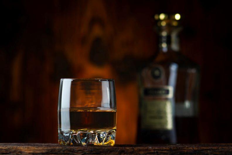 glass bottle whisky